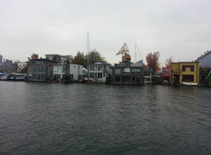 Floating homes by boat rental